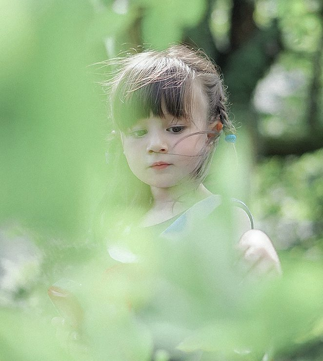 girl with plants effect